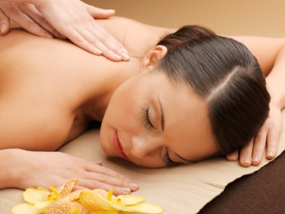 A Relaxing Massage    I've my Christmas treatment booked and I can't wait! Treating yourself or someone else to a relaxing treatment is a perfect gift all year round, but particularly this time of year with the stress of Christmas it will be greatly appreciated. Gift certificates for massage, reflexology and fertility therapy available   here  . Until end of December 2016 receive a Bonus £20 gift voucher when you spend over £100 at Meant to Bee!