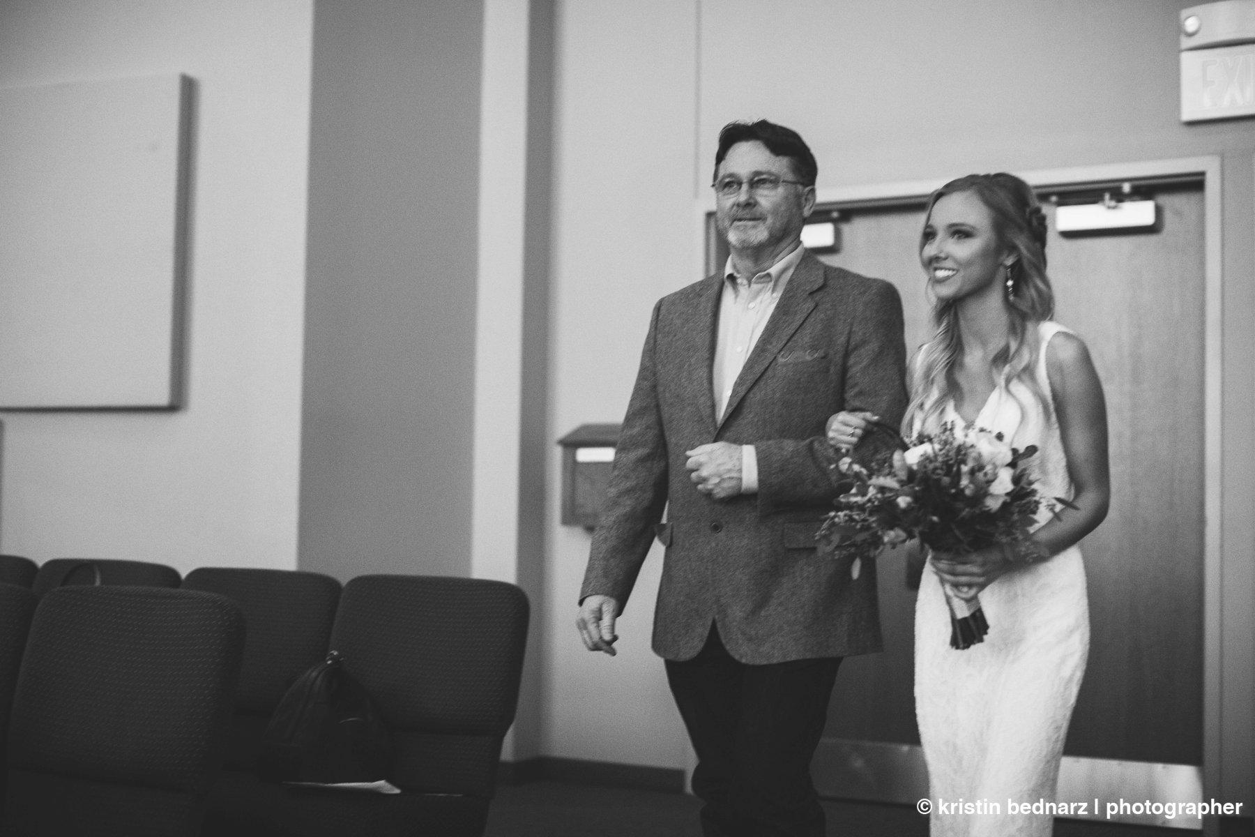 kristin_bednarz_wedding_photographer_20190214_00018sneak_peek.JPG