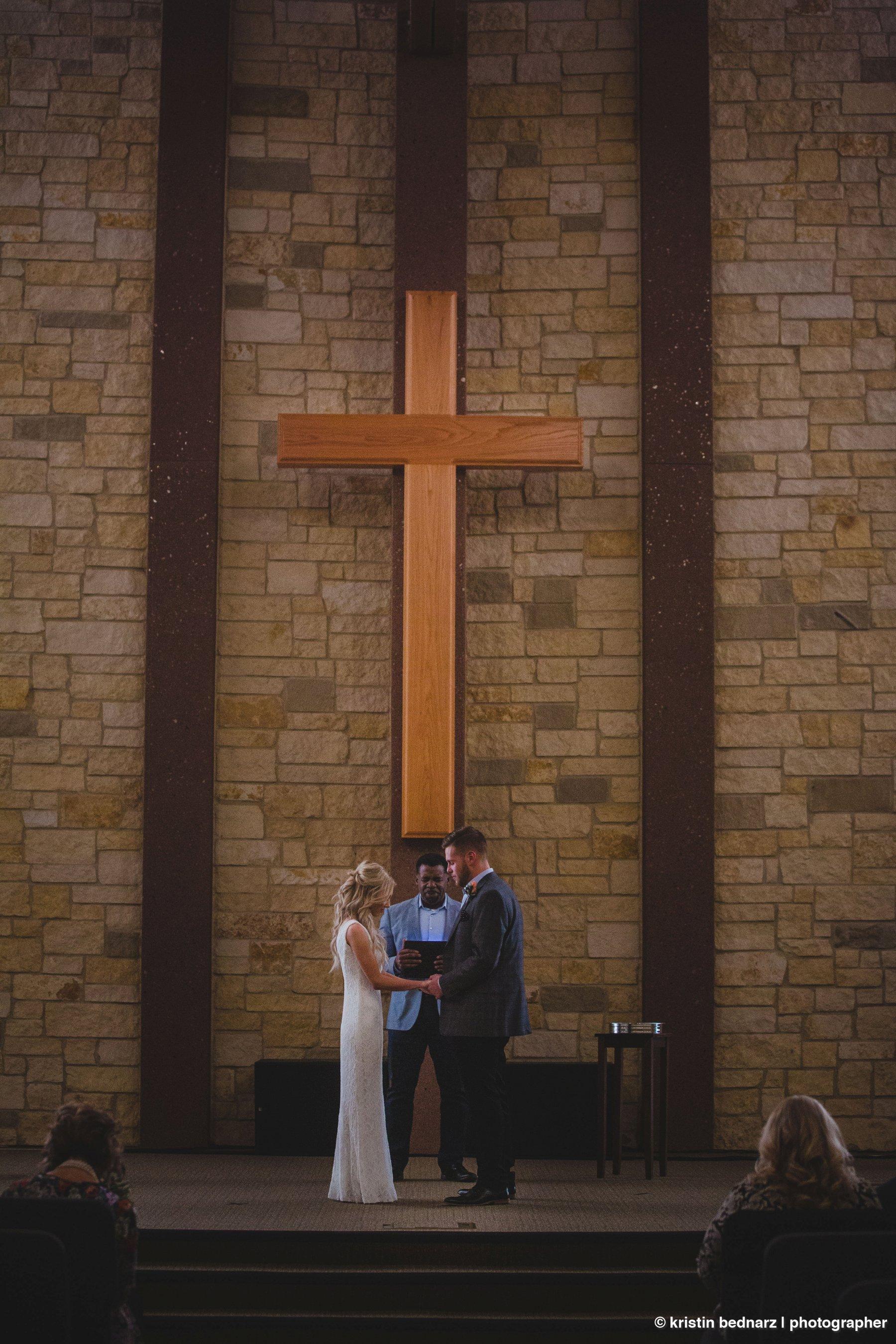 kristin_bednarz_wedding_photographer_20190214_00041sneak_peek.JPG