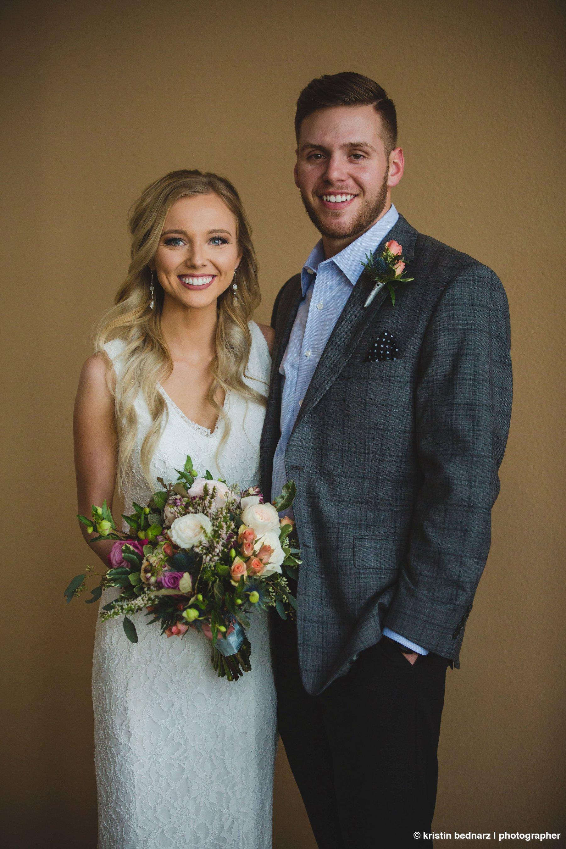 kristin_bednarz_wedding_photographer_20190214_00056sneak_peek.JPG