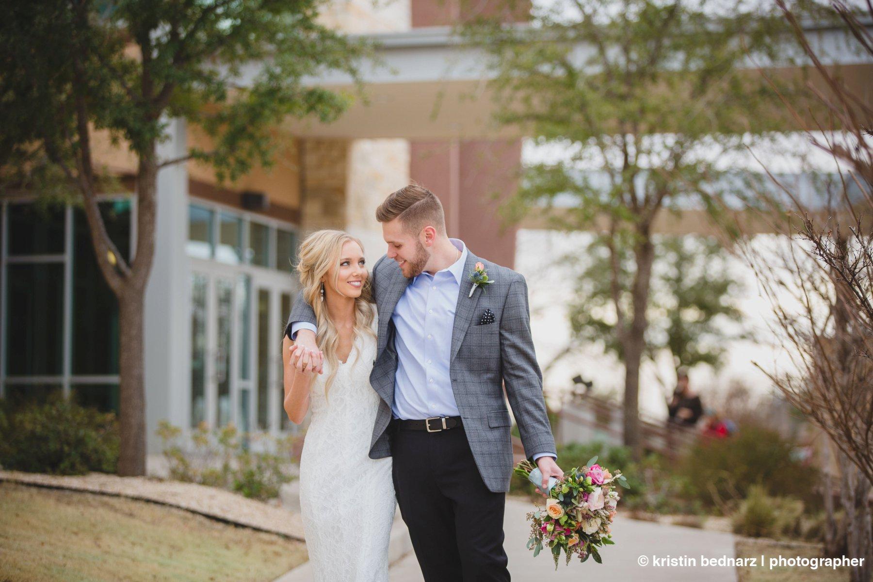 kristin_bednarz_wedding_photographer_20190214_00065sneak_peek.JPG