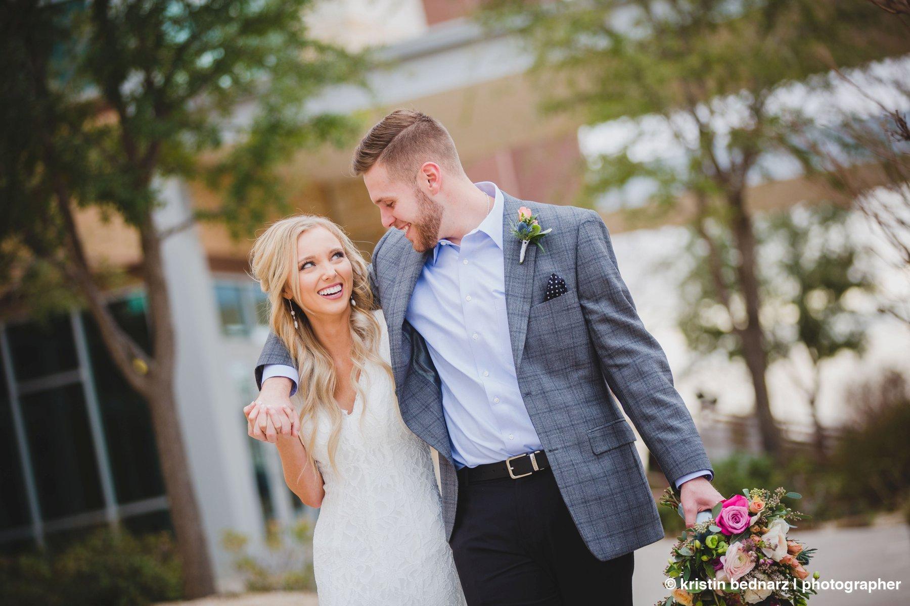 kristin_bednarz_wedding_photographer_20190214_00066sneak_peek.JPG