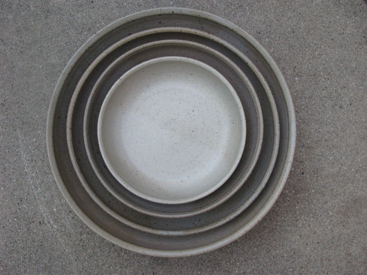 Nested set of bowls