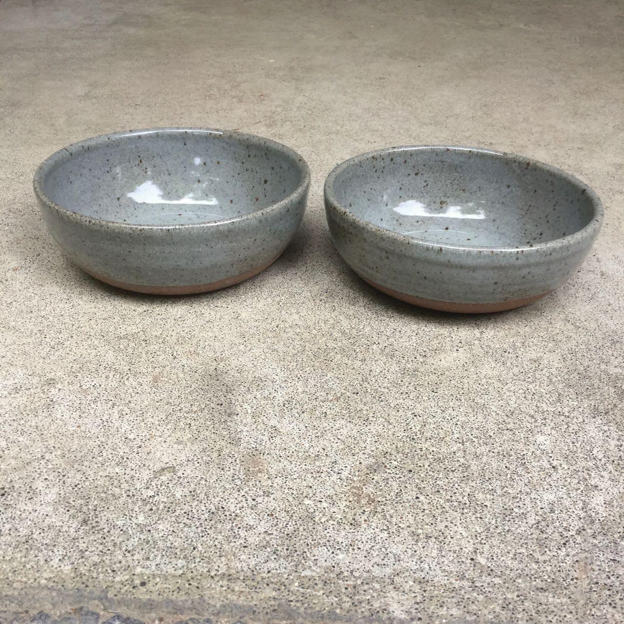 1031 Pair dark glossy grey noodle bowls side.jpg