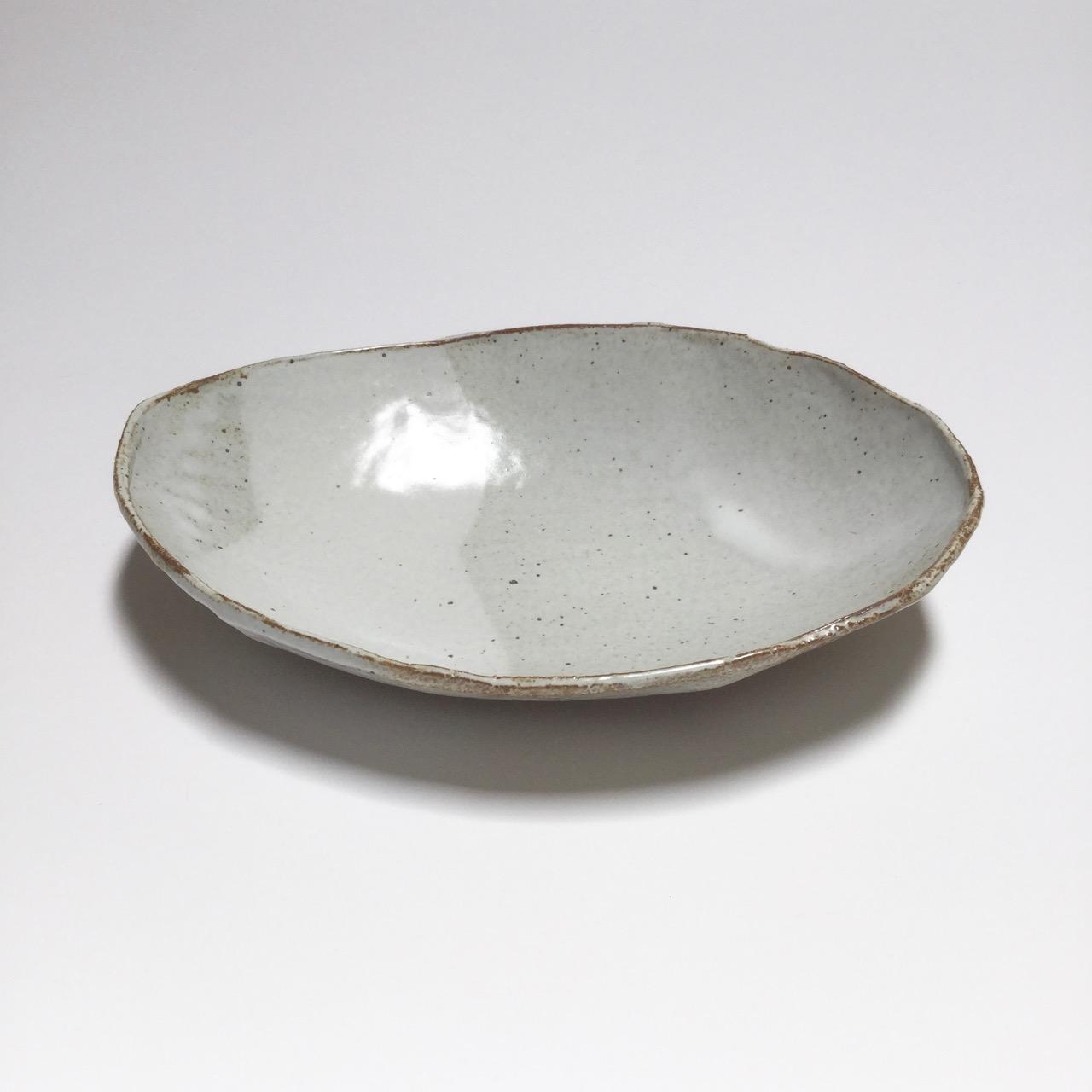 1072 Glossy white oval side.jpg