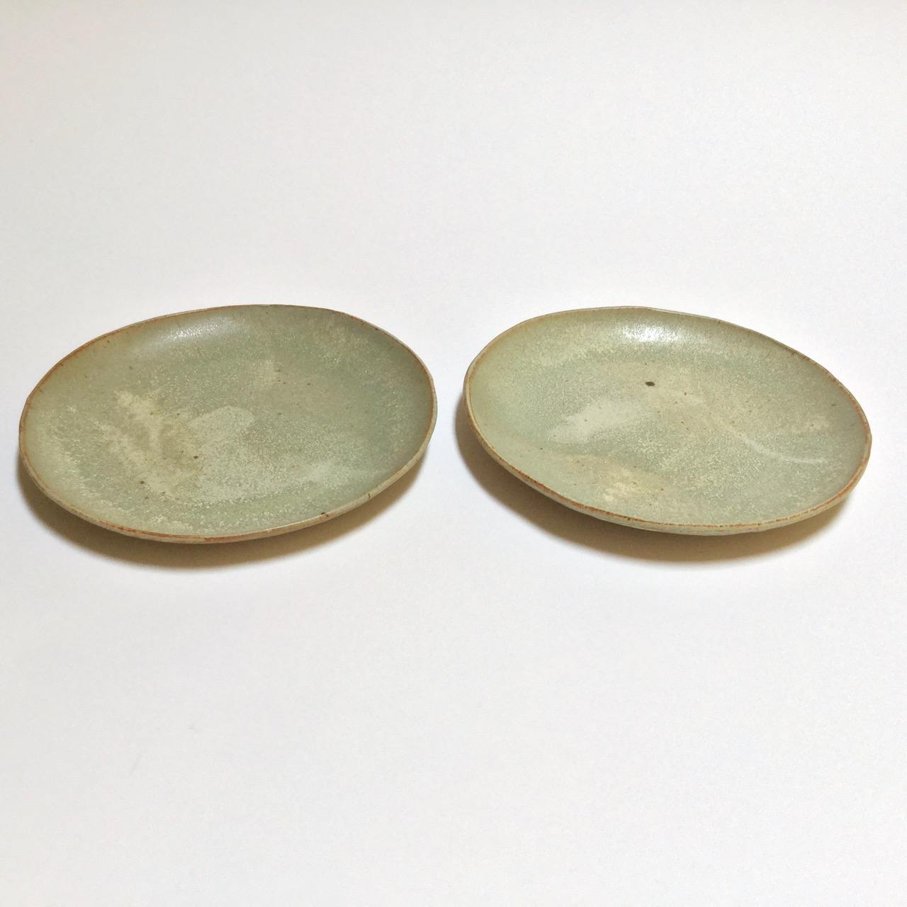1075 Pair desert sand dinner plates side.jpg