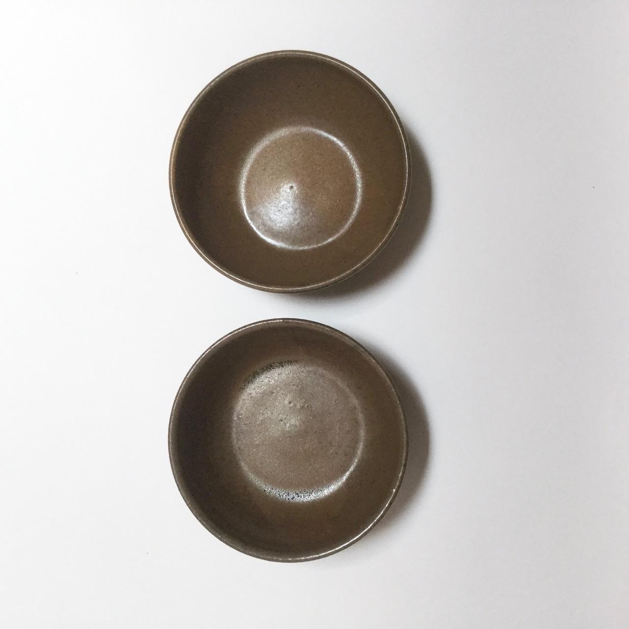 1122 Pair brown bowls top.jpg