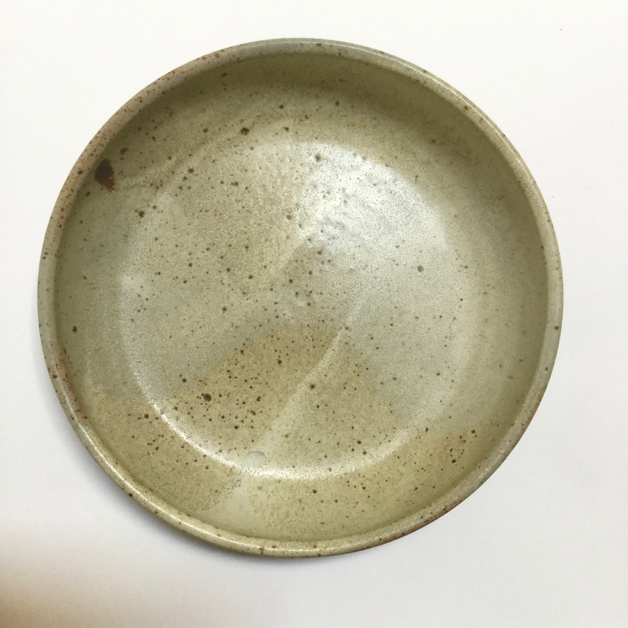 1123 Serving bowl desert sand top.jpg
