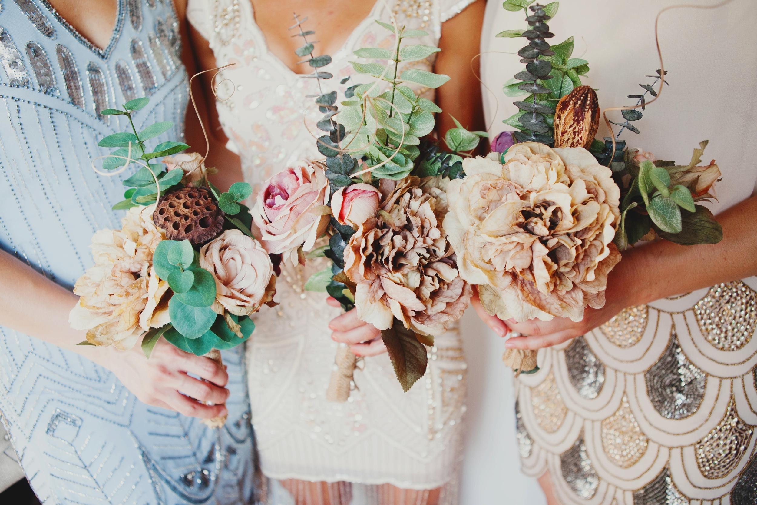 The Suitcase Studio - Lifestyle Wedding Photography in Bend Oregon
