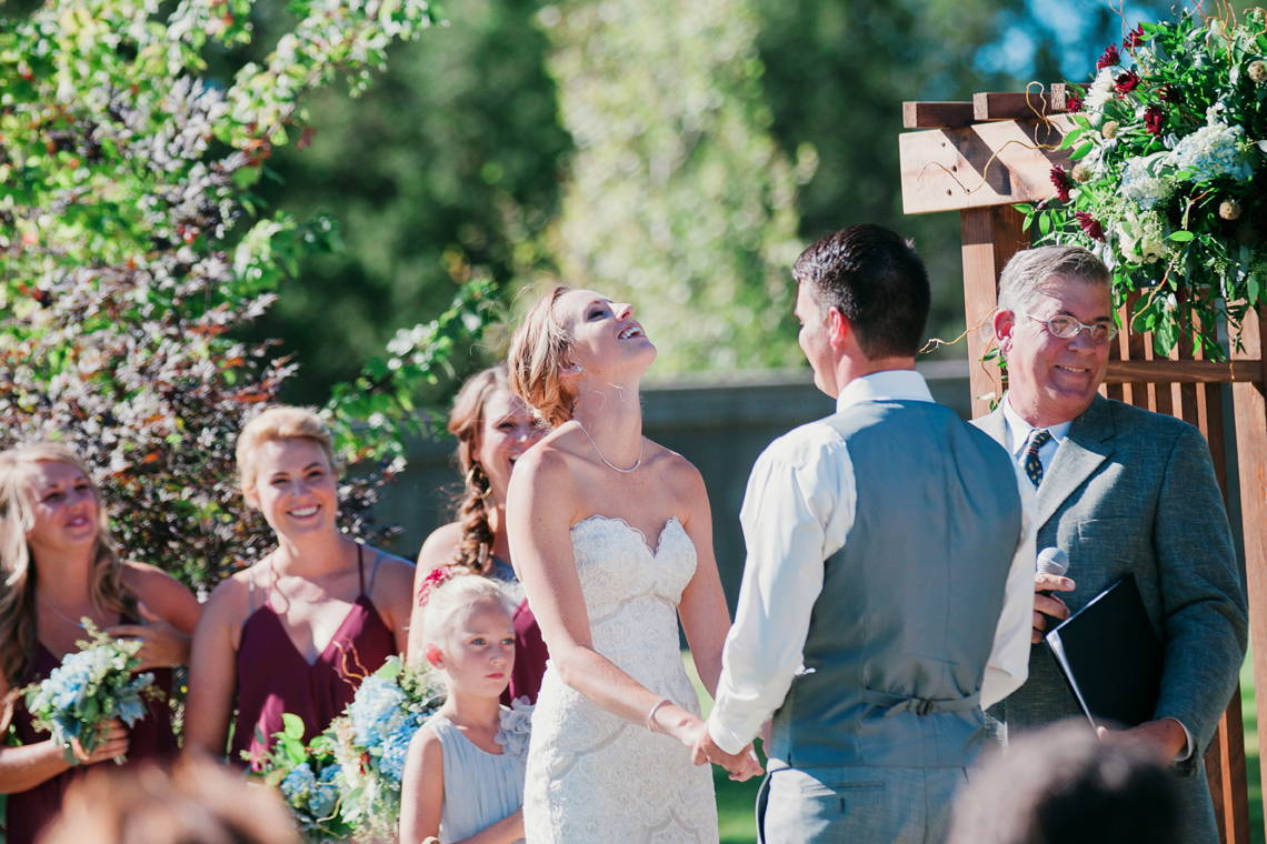 lifestyle wedding photography in bend oregon by the suitcase studio