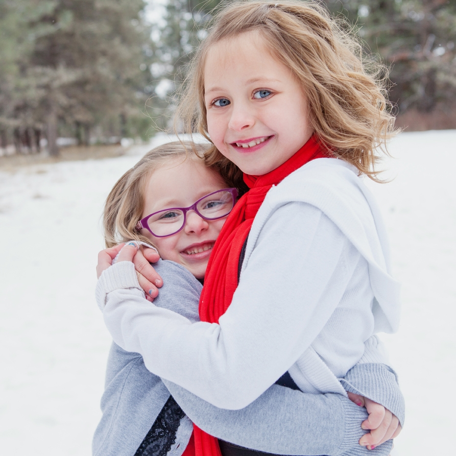 fun lifestyle photographer for kids and families in bend oregon