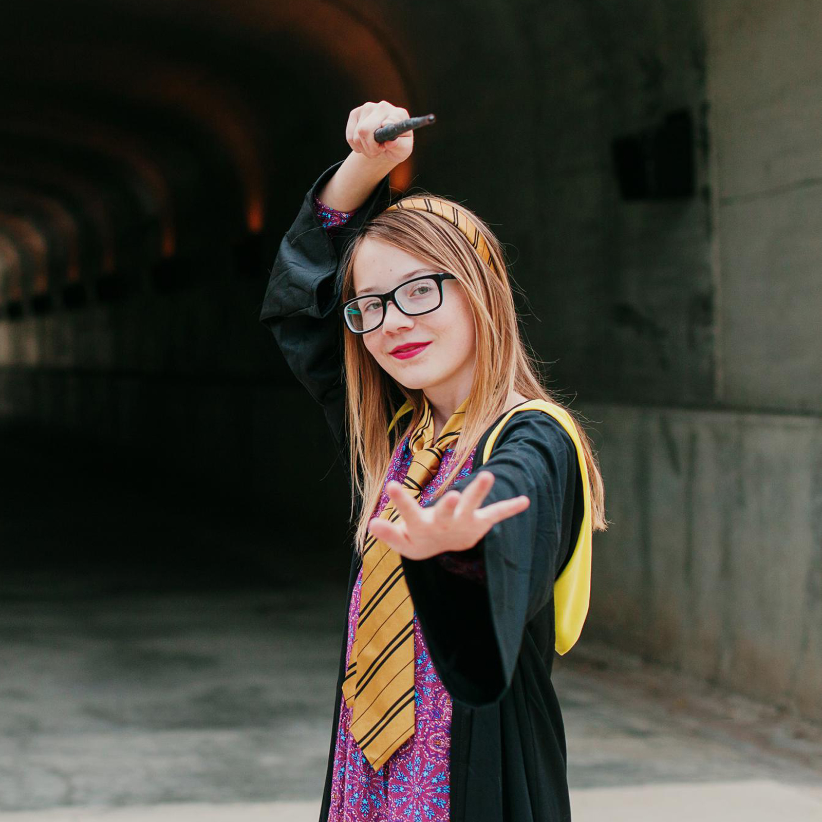 the suitcase studio offers free portrait sessions for tweens ages 10-12 as part of the who i am project