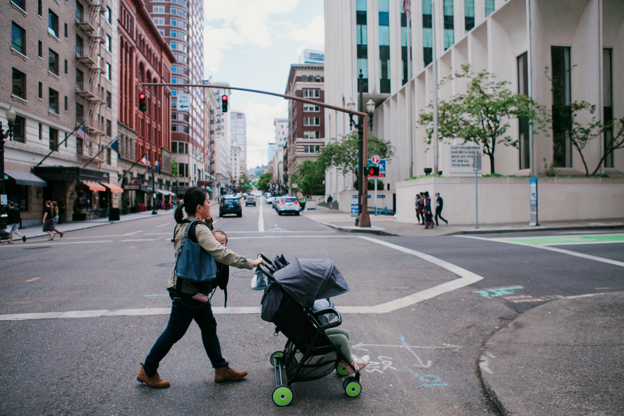 a day in the life photo session where we explore the city of Portland with The Suitcase Studio