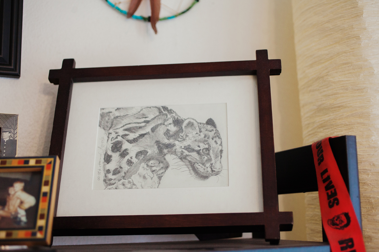 snow leopard pencil drawing by Michelle Simmons of The Suitcase Studio