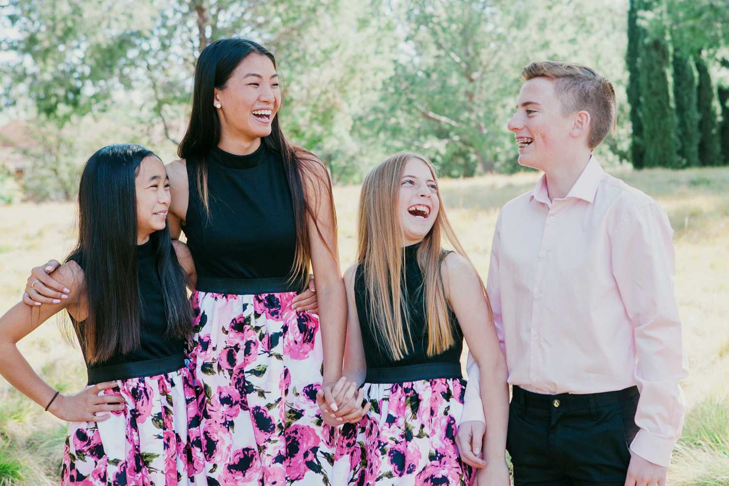 The Suitcase Studio offers fun family photos in Orange County, CA