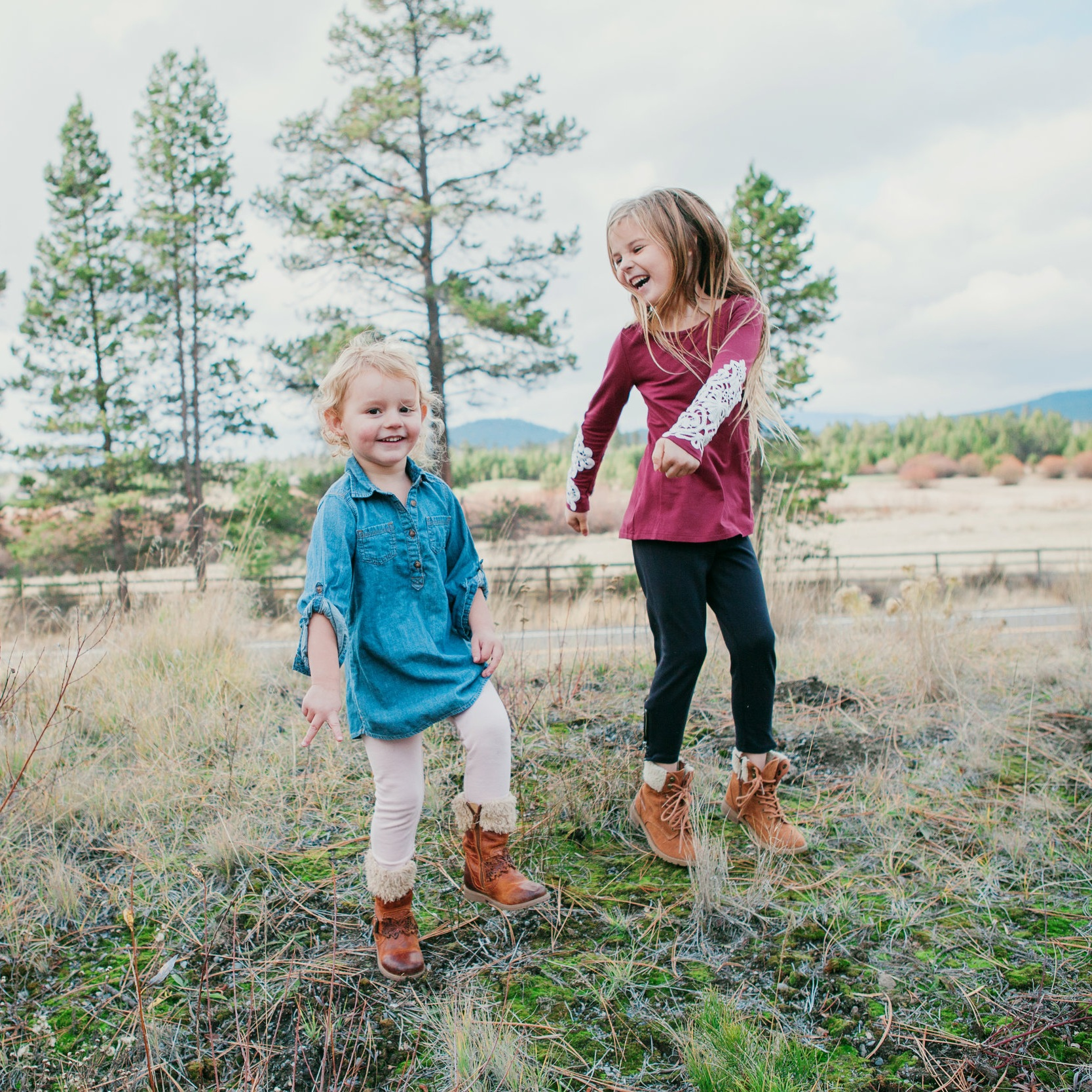 HAPPY DANCING because The Suitcase Studio is offering a SUMMER SPECIAL for family photos in Bend, OR.