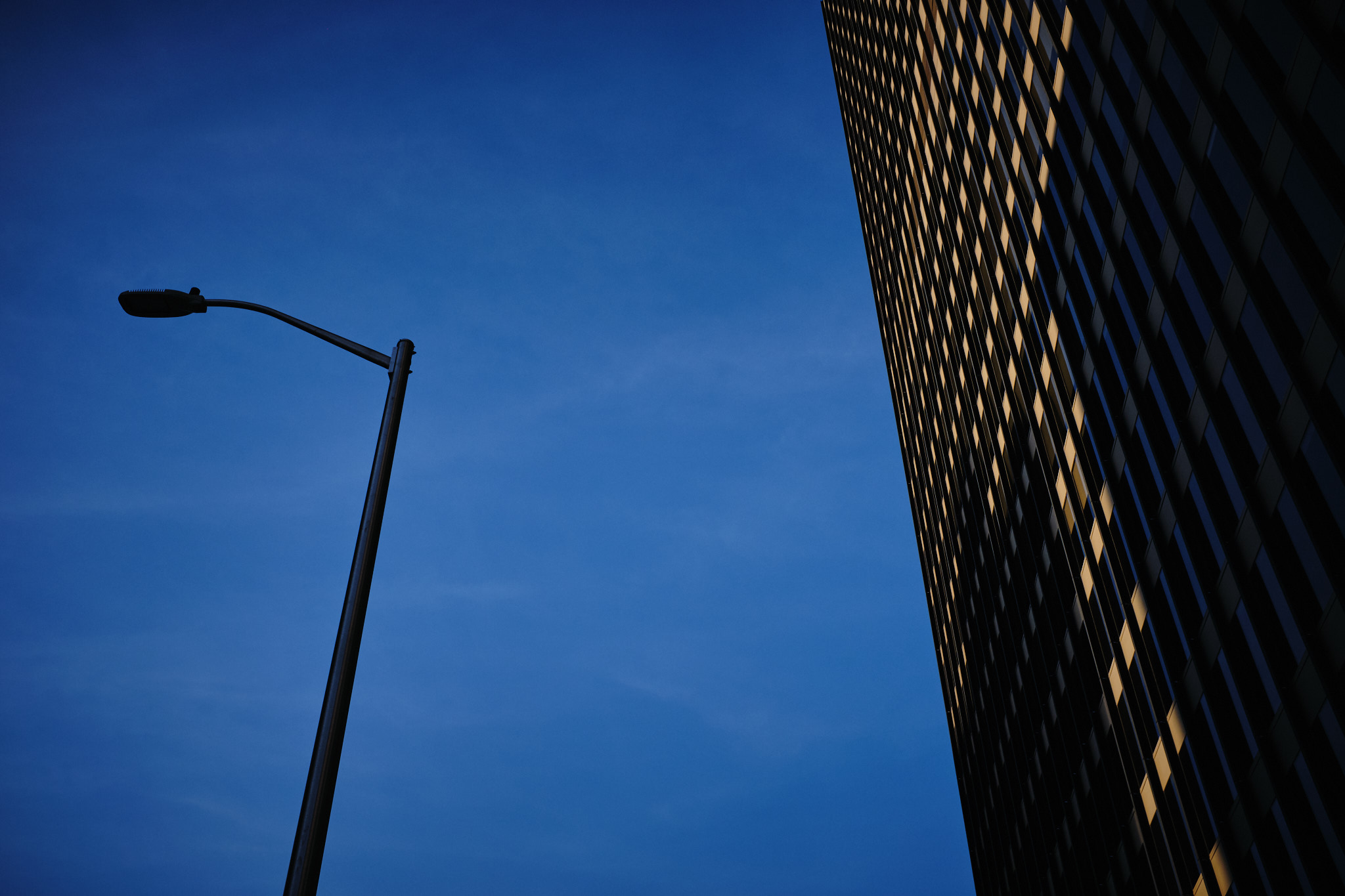 017x : The blue hour (2/5)