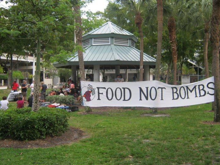 Fort Lauderdale Food Not Bombs Food Sharing at Stranahan Park