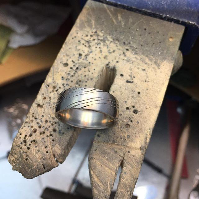 Custom carved 14k palladium gents wedding band, comfort fit for the long haul 😉. If you're only going to wear one ring ever, make it something unique! #laurakieferdesigns #weddingbands #custommadejewelry #14k