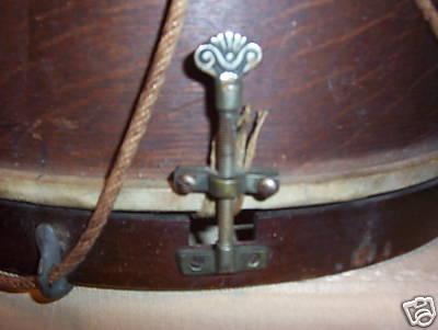 Pepper-Drum-Snare-Strainer-791000.jpg