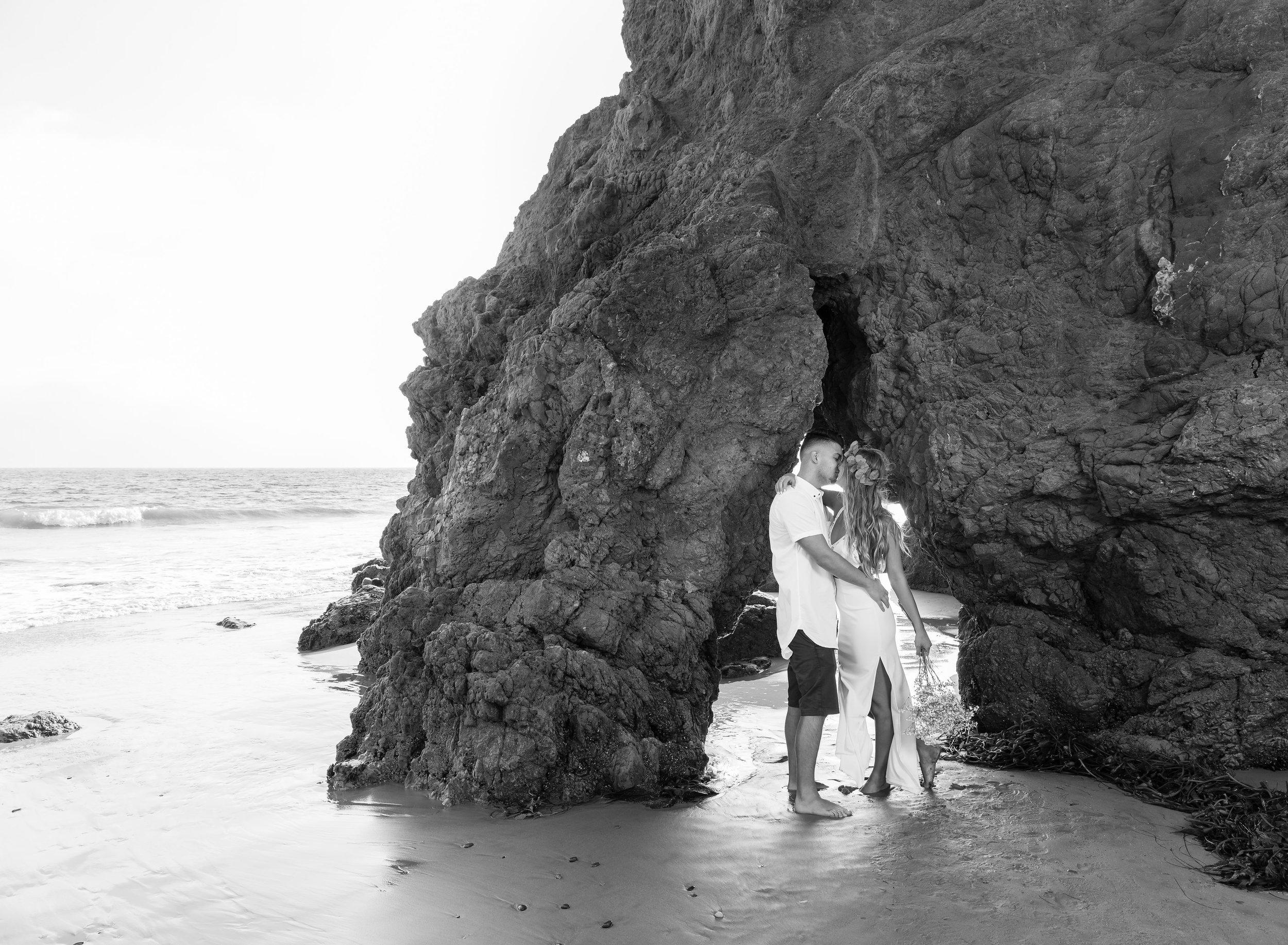 Black & White Malibu Engagement Photoshoot.jpg