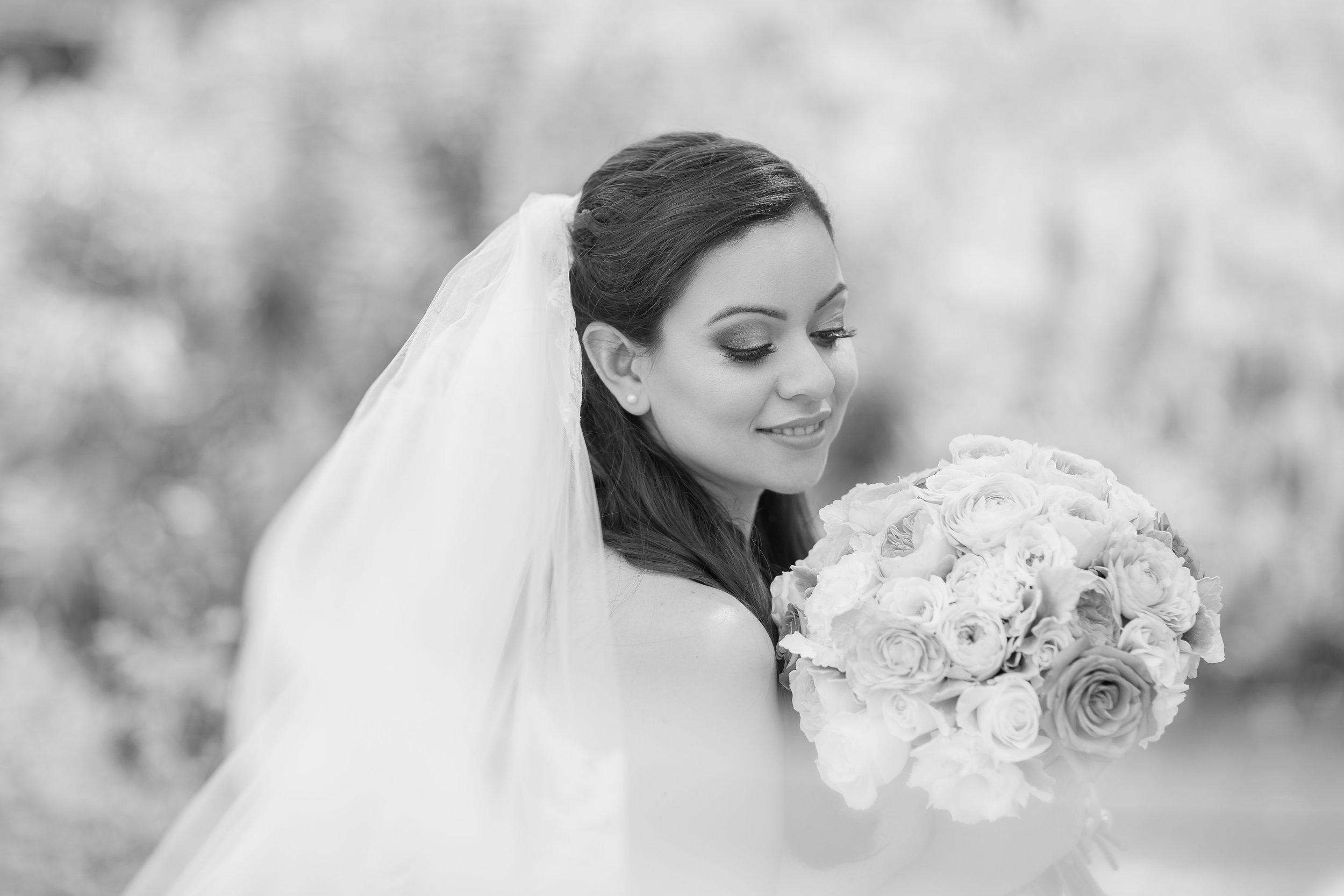 B&W Bridal Portraits.jpg