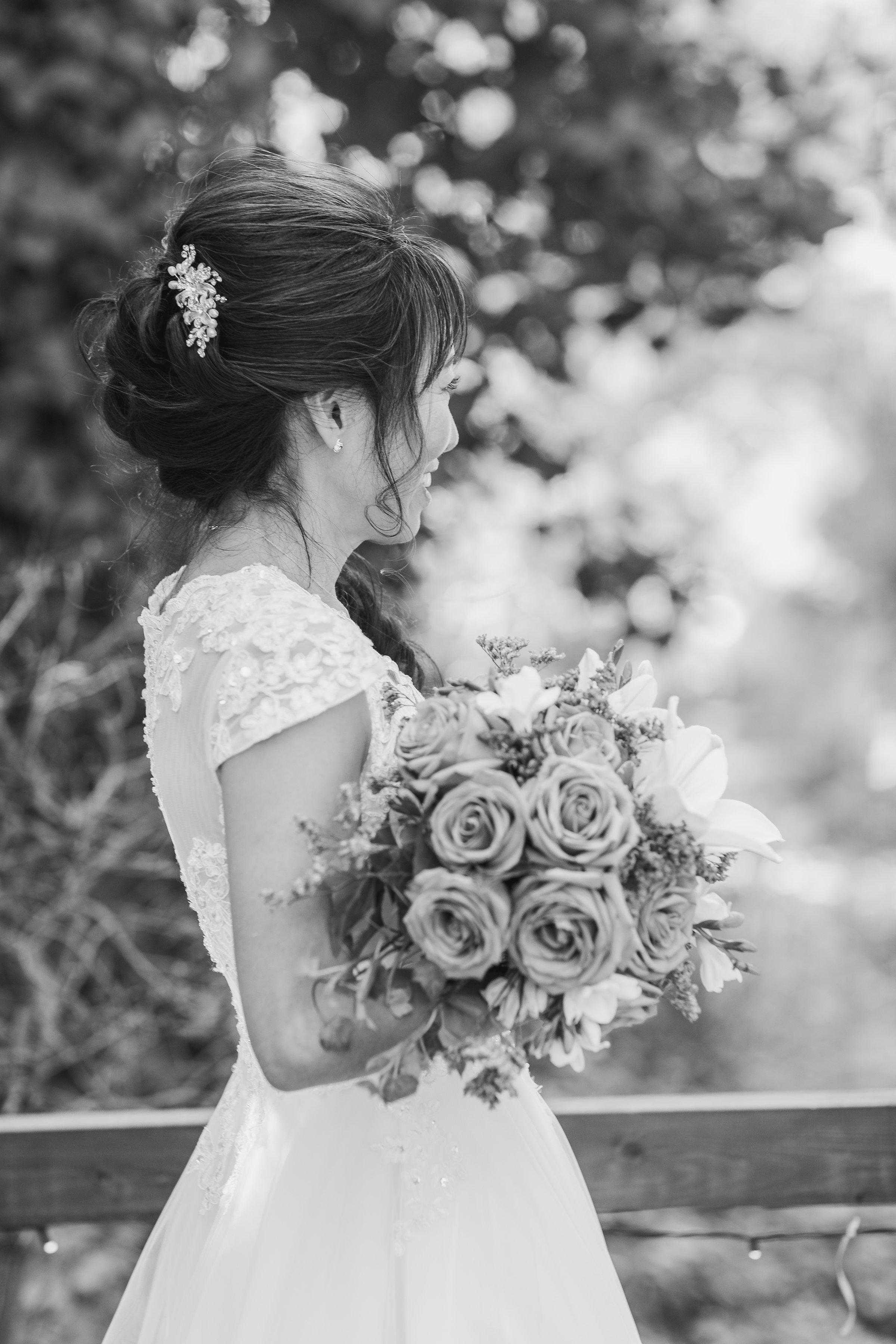 Black & White Bridal Portraits.jpg
