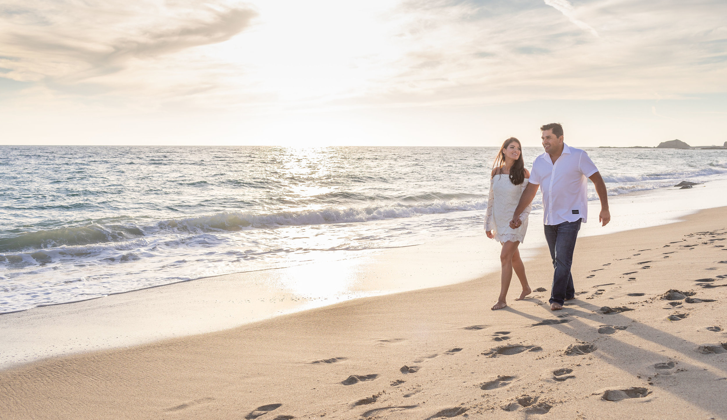 Best wedding photographer for beach engagement session.jpg