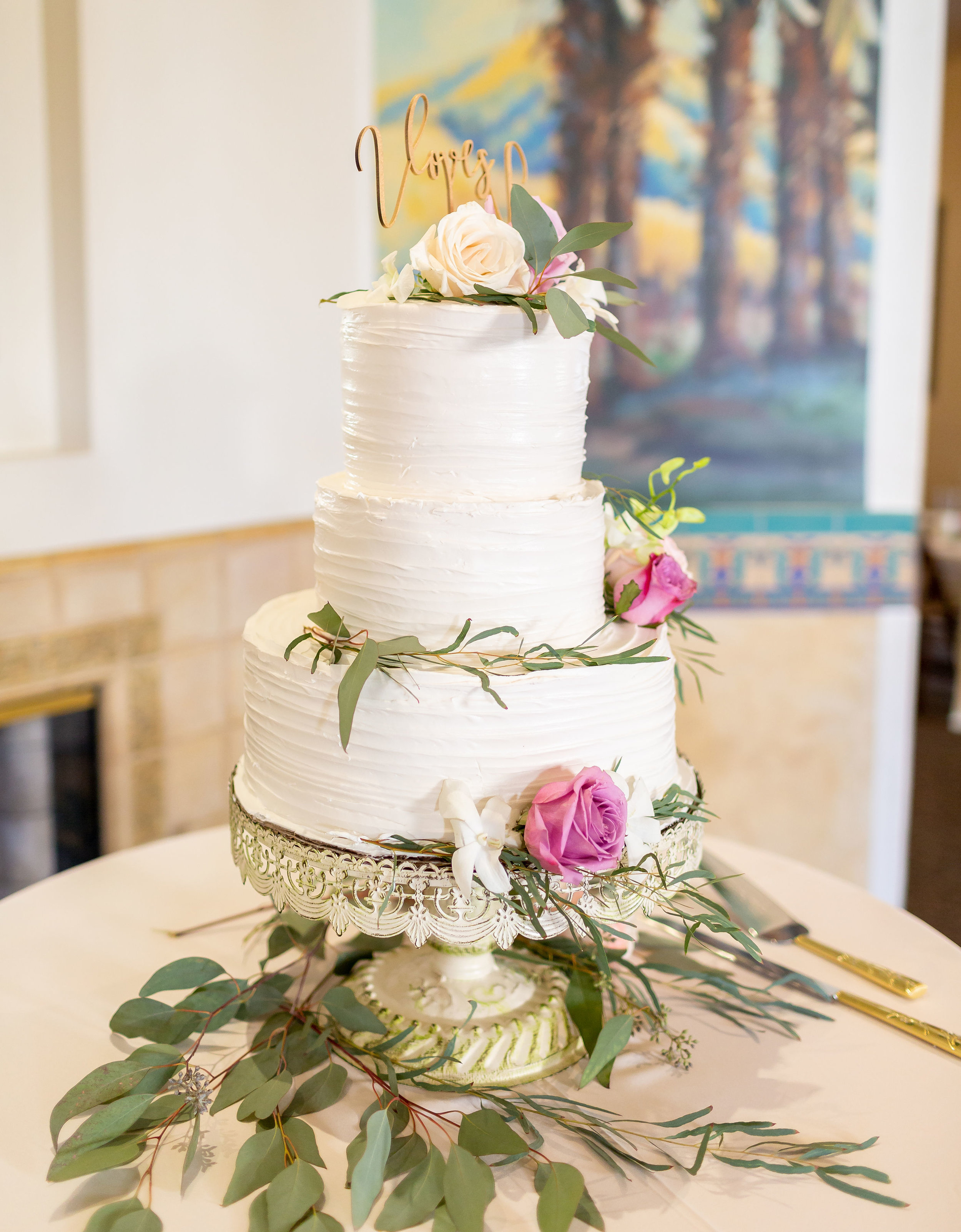 ! Wedding Cake at Green Parrot Villa.jpg