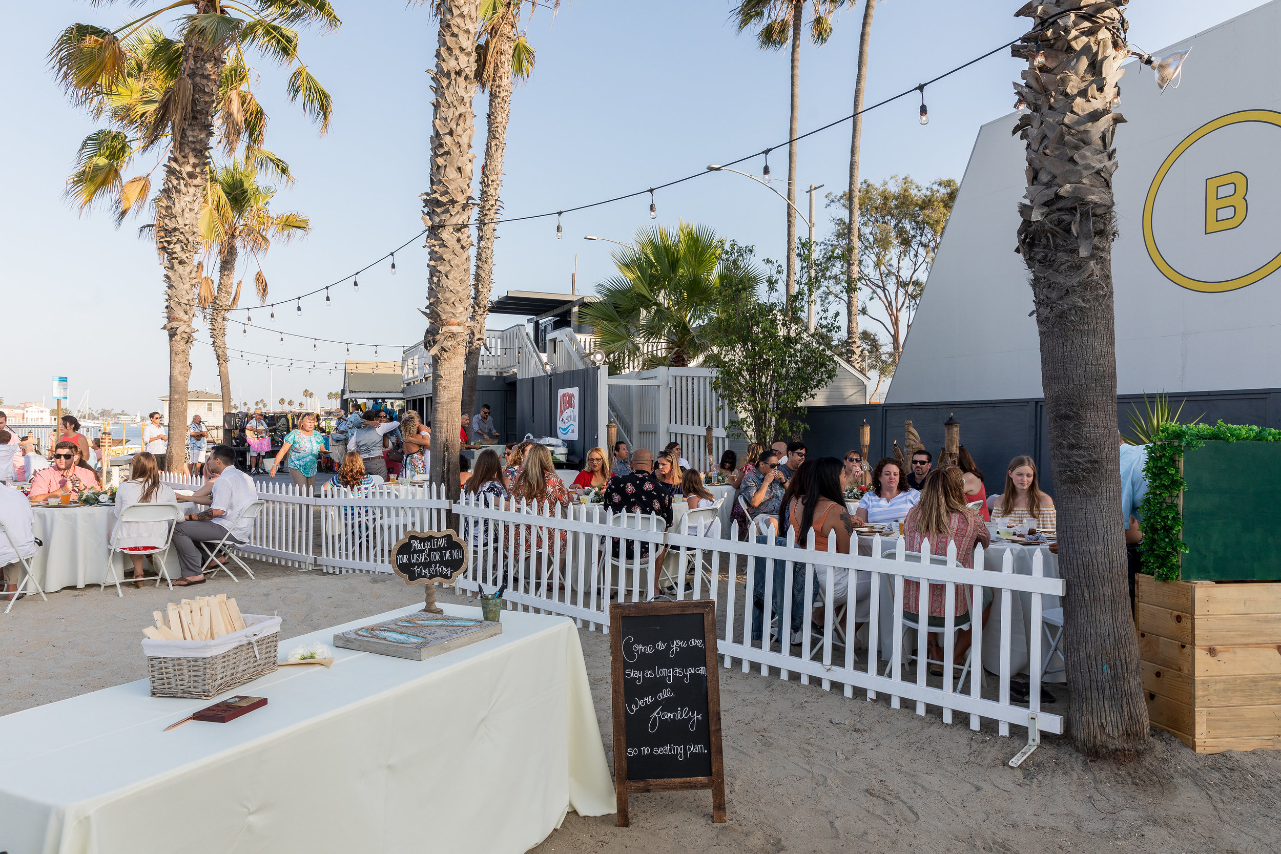 Alfredos Beach Club Wedding Long Beach.jpg