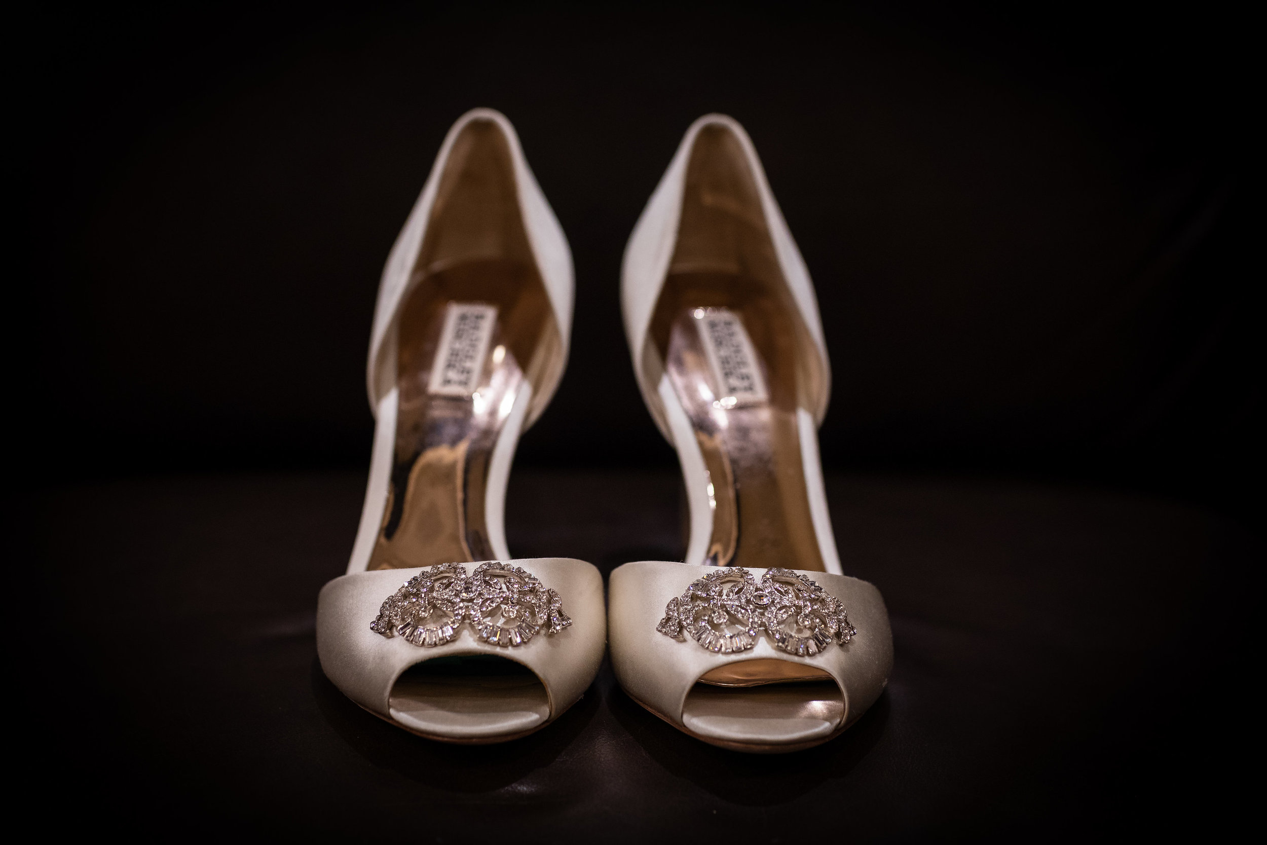 ! Getting Ready Wedding Shoes LA Top LB Photographer.jpg