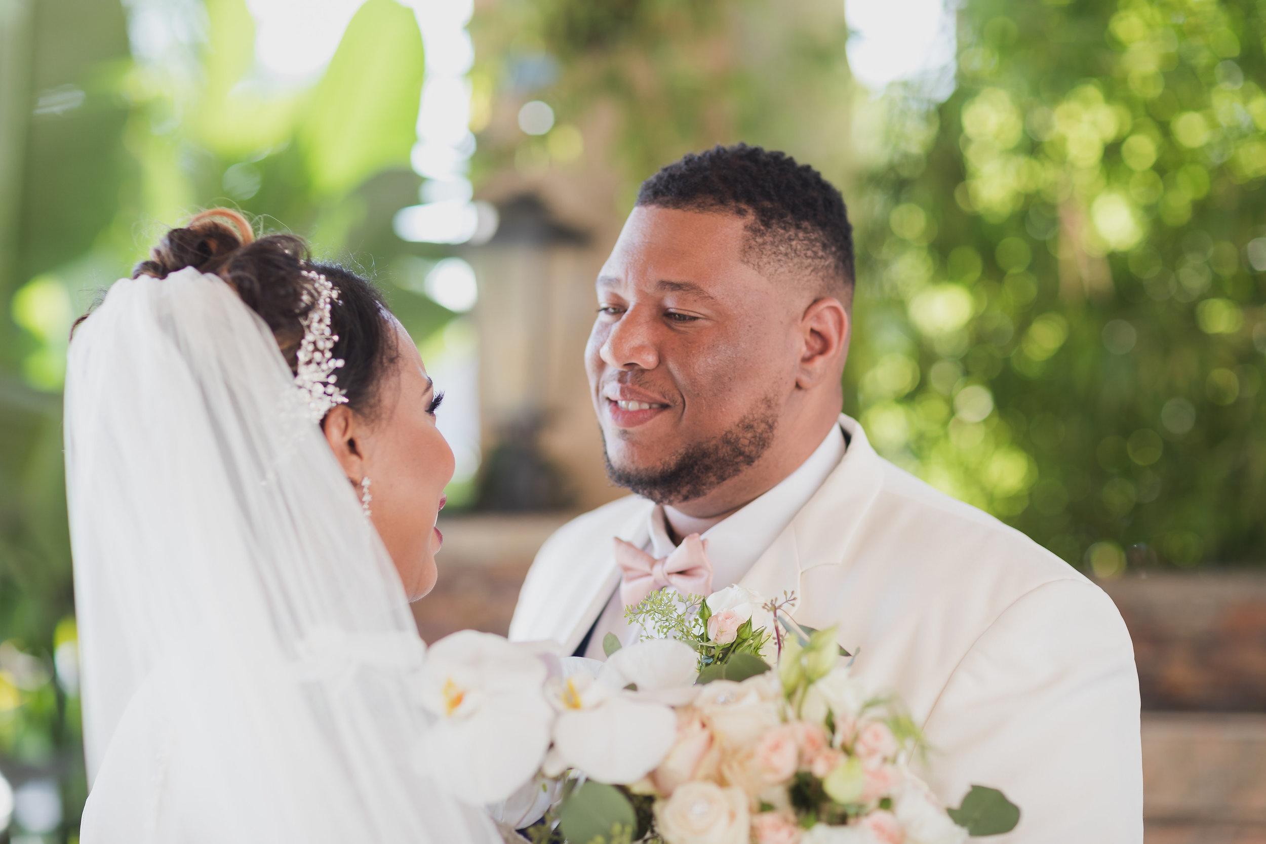 ! Beautiful Black Wedding Couple Portraits.jpg
