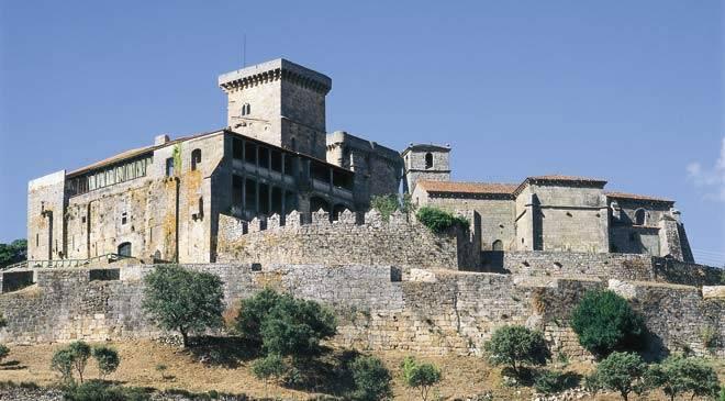 castillo_monterrey_t3200303.jpg_1306973099.jpg