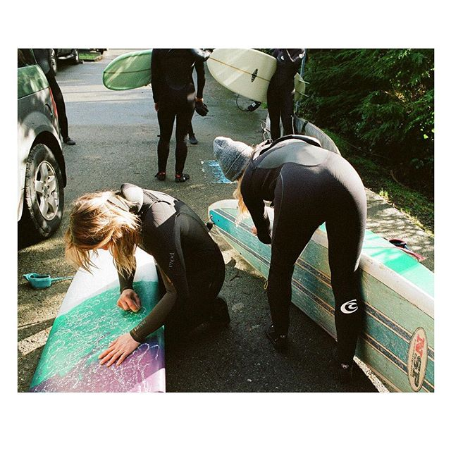 Another amazing trip spent surfing with an inspiring bunch of ladies. Thanks @bitchesandbarrels ! . . . . . . . #35mm #coldwatersurf #vancouverisland #shootfilm #explorebc #alwaysgo #westcoast #sheexplores #anotherescape #freshairclub #besiders #lesothers