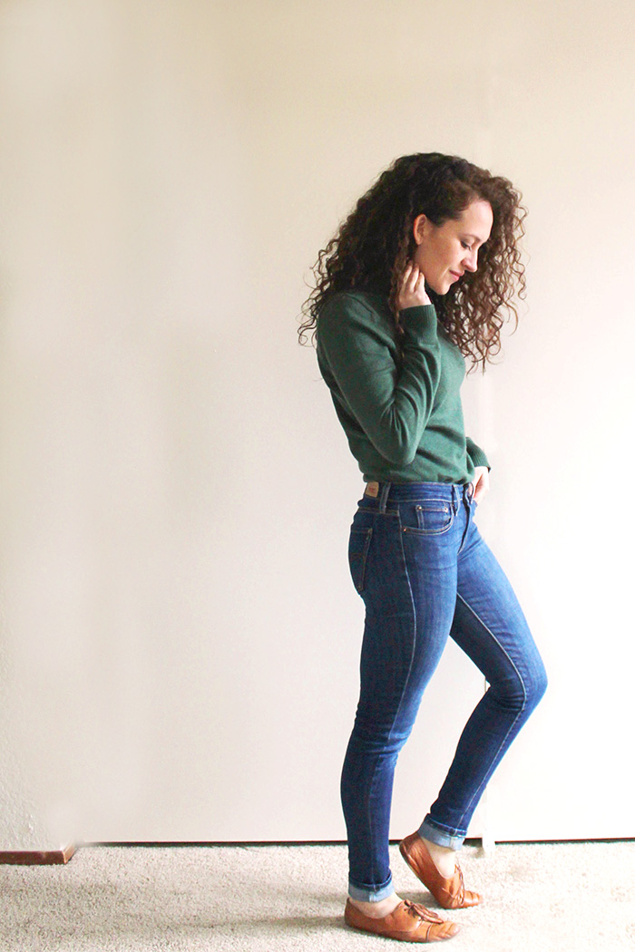 winter capsule wardrobe casual outfit | tintedgreen