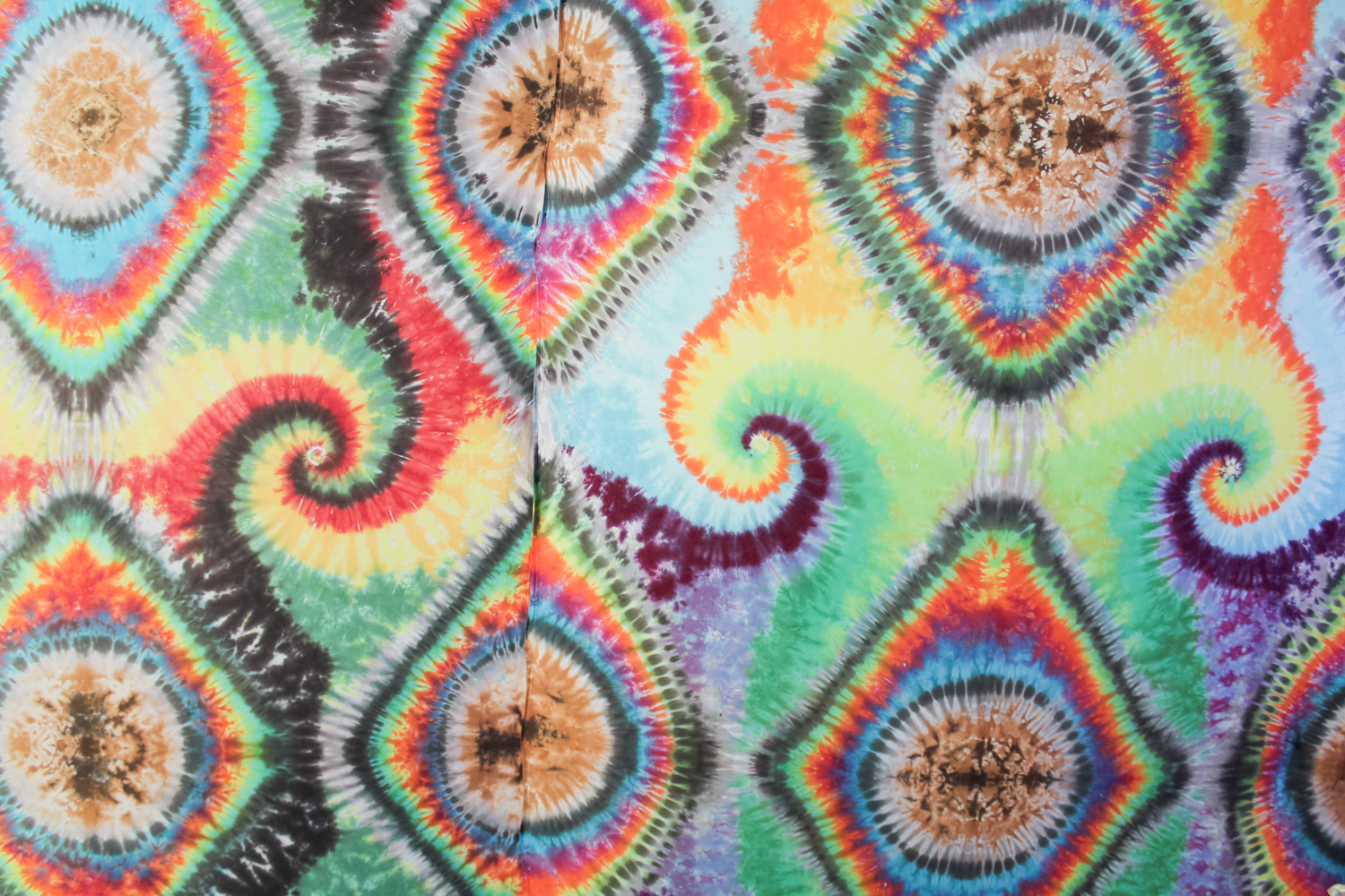 All the tie dye love at Love on Haight in the Haight-Ashbury neighborhood of San Francisco || 7 PLACES TO VISIT IN HAIGHT-ASHBURY, SAN FRANCISCO || tinted green