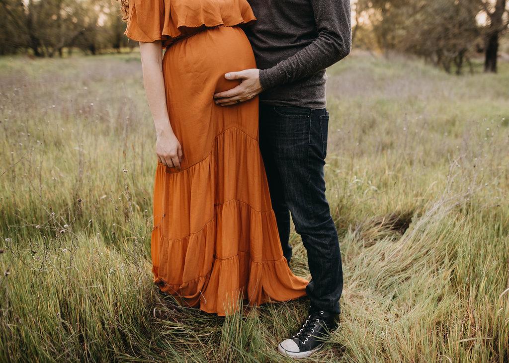 Chloe Ramirez Photography | spring outdoor maternity session