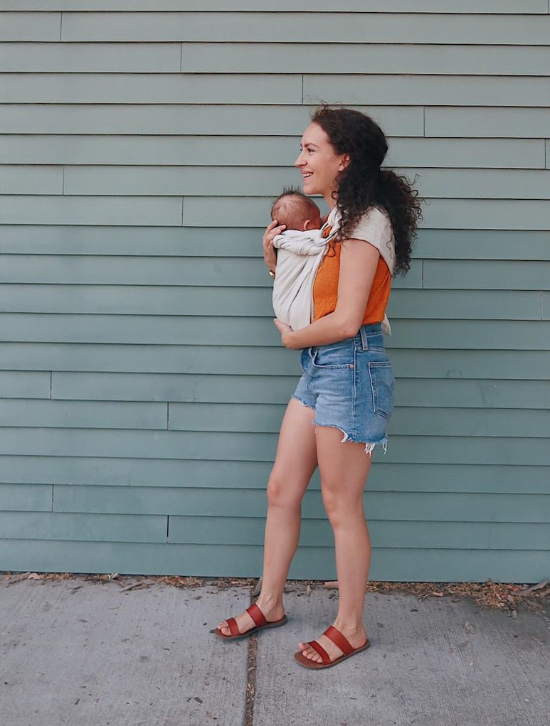 10 items 10 ways, 10 items 10 outfits, 10 items 10 days, 10 pieces 10 outfits, 10x10 challenge | wearing a rust orange tank top from #target, high rise denim shorts by #levis and slide sandals | baby wearing with the #mywildbird bamboo ring sling | tinted-green.com