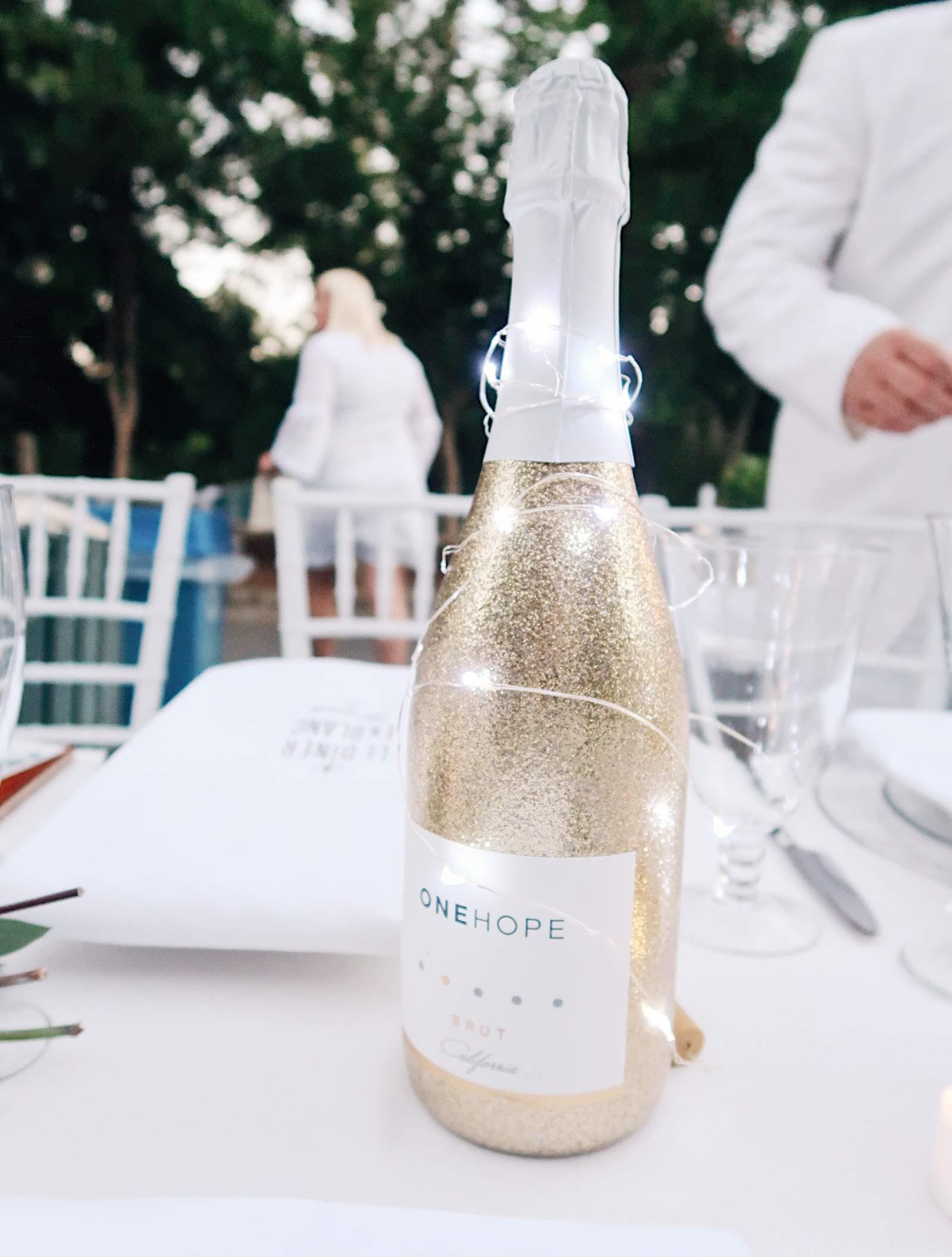 diner en blanc sacramento 2018 one hope wine tinted green 3