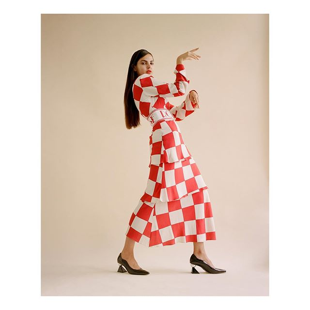 @doina for @notion 🍒 with the amazing team  Words @bycalmcintyre  Fashion @amysimmonsstylist  Makeup and Hair @emilywoodmakeup @creativesmuandh  Fashion Assistant @klo.e_glf  Production @studionotion  Wearing @rowenroseofficial @yuulyie_official  @nomoreplasticco 🌱 @beaumontlondon  #notion #notionmagazine #silvanatrevale #amysimmons #emilywoodmakeup #doinaciobanu #nomoreplastic #kodak #mediumformat