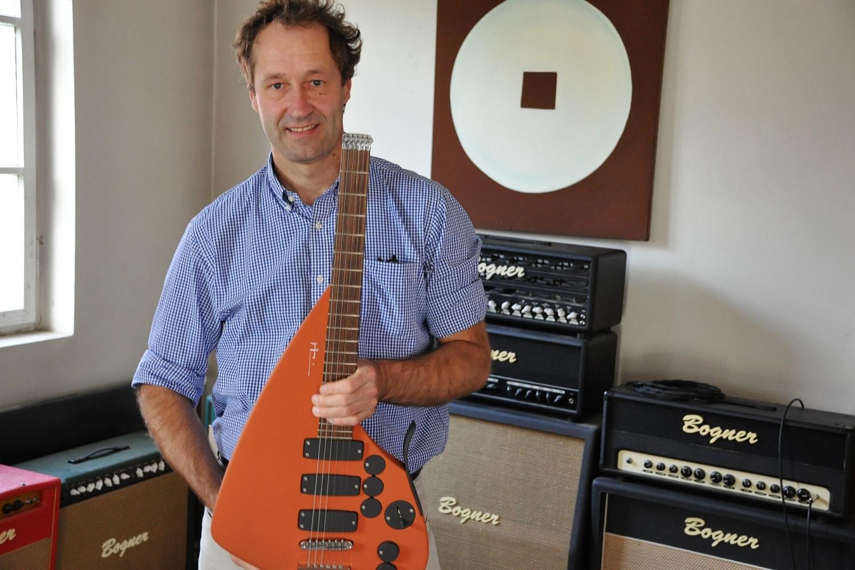 Ulrich Teuffel – Gitarrenbauer und Gründer von Teuffel Guitars (Neu-Ulm)