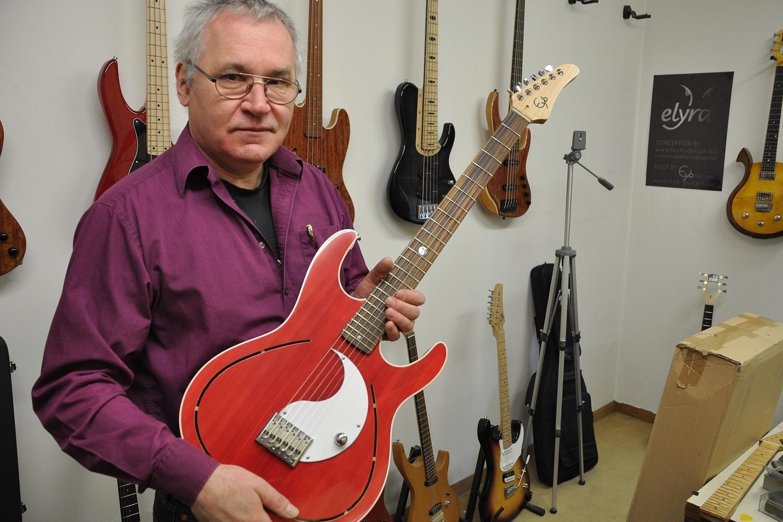 Günter Eyb – Gitarrenbauer, Betreiber von Eyb Guitars und Erfinder des Megaswitch