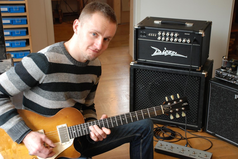 Oliver Baron - Gitarrenbauer und Gründer von Helliver Guitars (Münster)