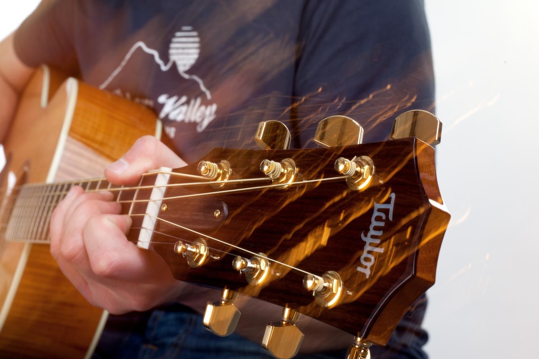 Gitarrenlehrer Ludwigsburg für Anfänger und Fortgeschrittene - lernen Sie Gitarre oder Ukulele mit einem professionellen Lehrer