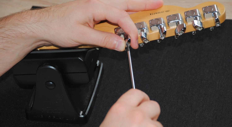 Gitarren-Mechaniken befestigen -  Bild 3