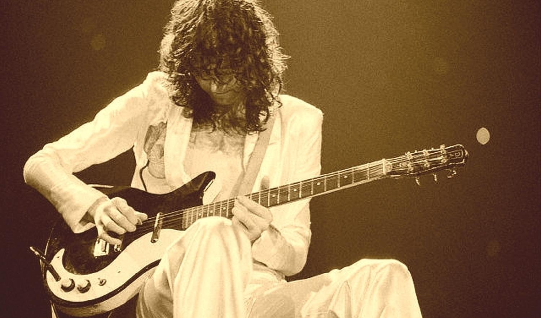 Jimmy Page hat am Anfang seiner Karriere auf mehreren Alben eine  Fender Esquire  benutzt (damals die günstigste Fender überhaupt) und später bei Led Zeppelin oft eine  Danelectro .
