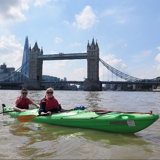Had a great sunny Sunday afternoon kayaking from Greenwich to Battersea, taking in all the sights of the river. Thanks to @london_kayak_company for a lovely day out ☀️#kayakingthethames #towerbridge #daysoutlondon #sunnylondon