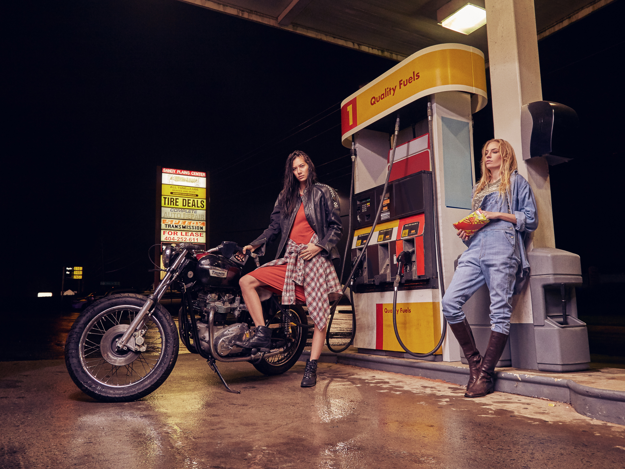 Garage Girls 3.jpg