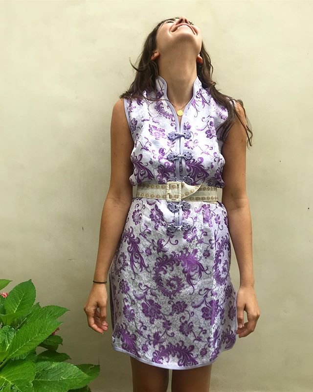 Lilac metallic Chinese dress available 🐉 . . . .  #vintage #vintageshop #vintageparis #vintageshopping #friperie #friperieparis #friperieenligne #headlessparis #pigalle #sopi #shoppinginparis #parisienne #paris #dress #vintagedress #chinesedress #lilac #beauty #pastel #pastelcolours