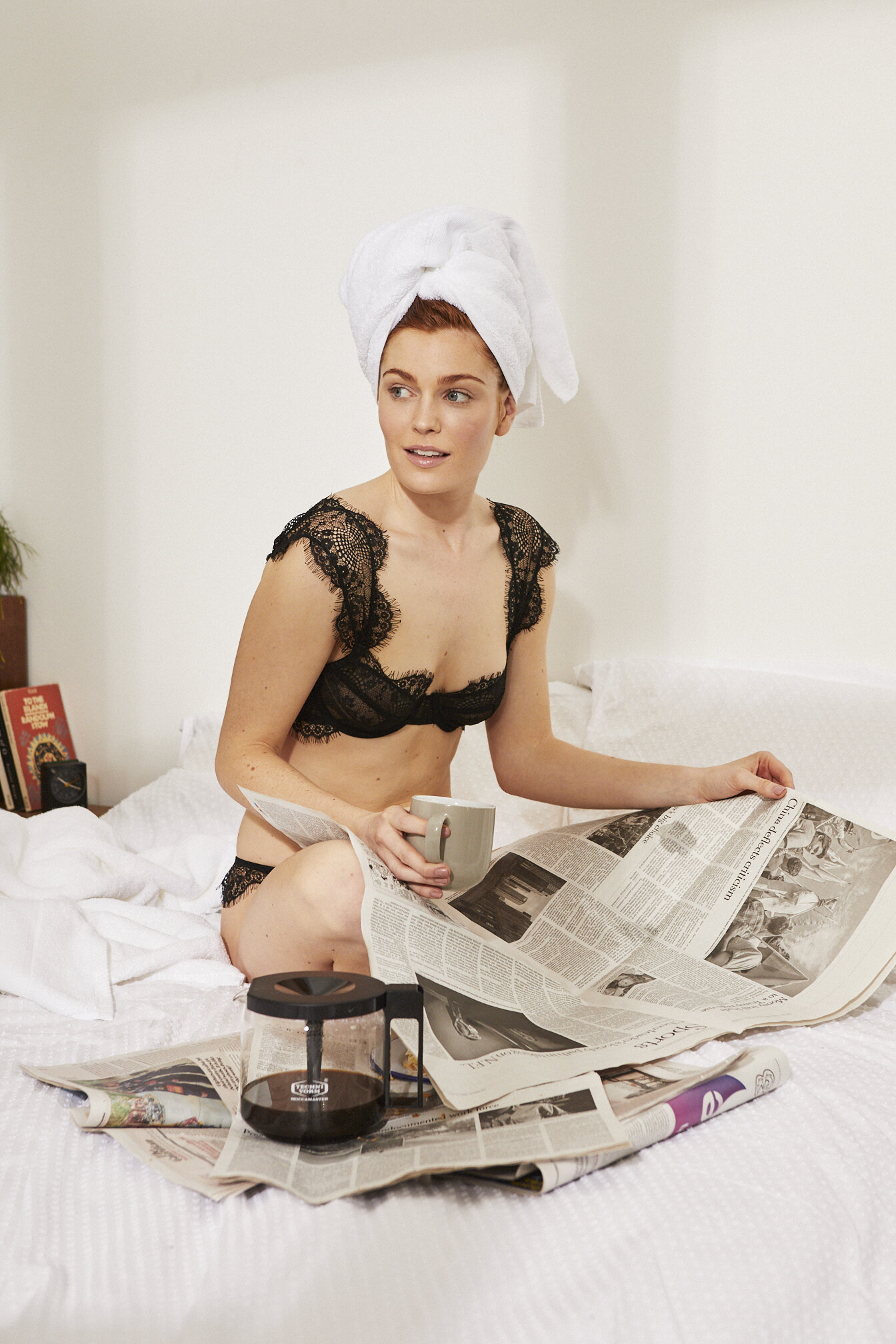 lingerie-bra-knickers-fashion-bedroom-nude-underwear-campaign-advertising-photography-nude-vintage-style-two-piece-studio-loft-new-york-lifestyle-campaign-nick-warner-london